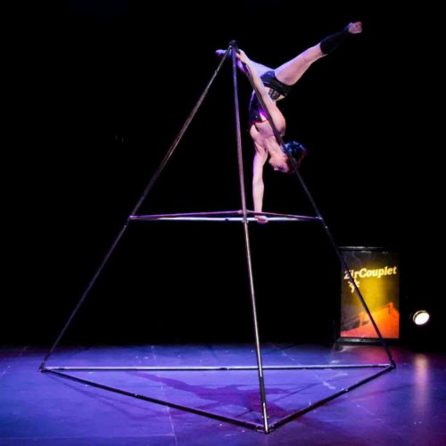 A Line In The Air Circus Performer Tetra artist Aline Chapet Batlle battle